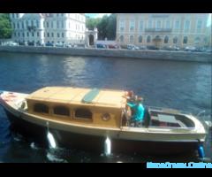 Катер с капитаном для прогулок по Неве и Финскому