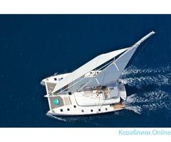 Парусная яхта-катамаран VIP класса