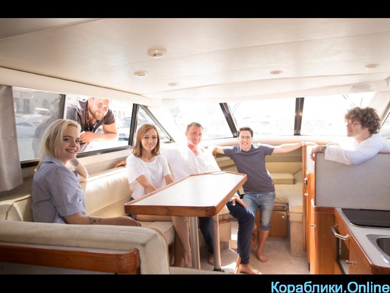 Прокат яхты в Сочи - Bayliner 288 Discovery «ЛИДИЯ» - 6/8