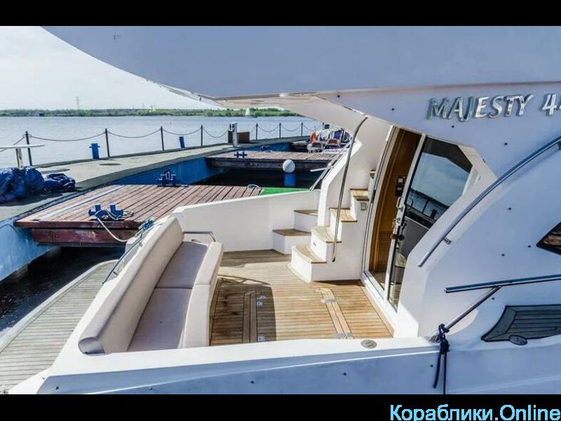 Прокат яхт в Сочи - Majesty 44 - 4/8