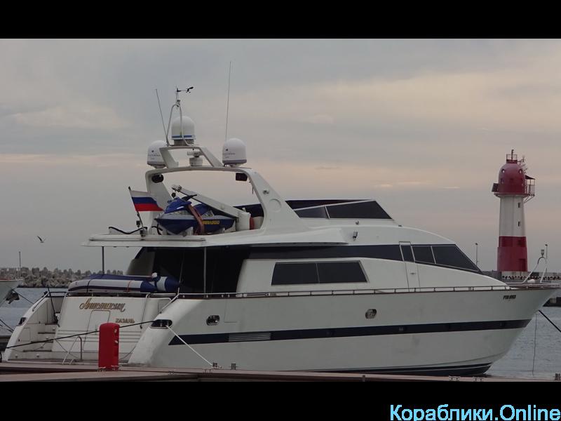 Прокат яхт в Сочи - Challenger 80 «Анастасия» - 3/8