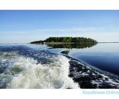 Водные прогулки на катере в Выборге