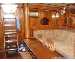 Парусно-моторная круизная яхта