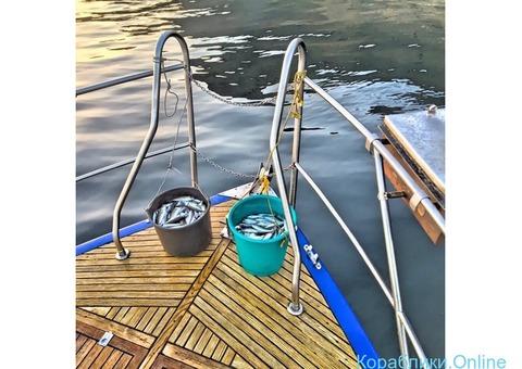 Аренда прогулочного катера  Hunter