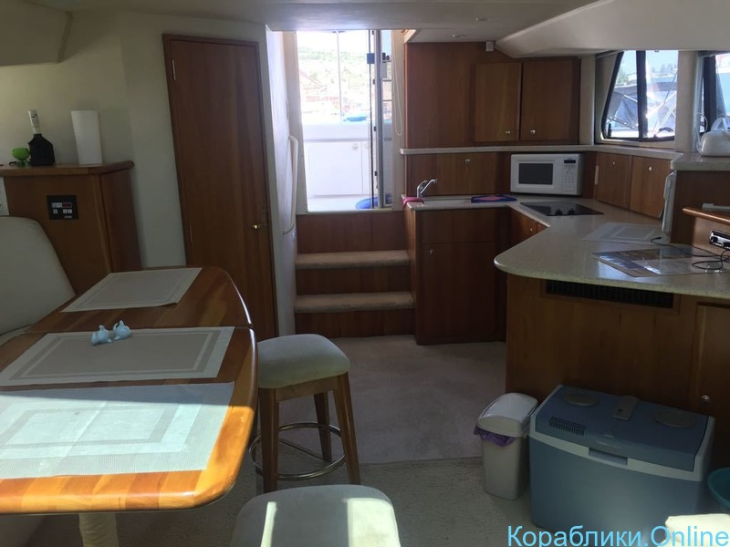 Комфортабельная моторная яхта Silverton 330 - 7/8