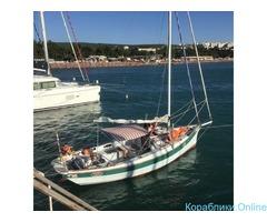 Морские прогулки на комфортабельной парусной яхте