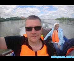 Прогулки по оби на лодке